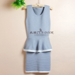 [Preorder] เดรสทำงานแฟชั่นแขนกุด สีเทาอ่อน Autumn sexy Slim waist flouncing package hip fake two knitted dress sleeveless vest OL step skirt