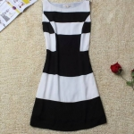 [Preorder] เดรสแฟชั่นแขนกุดสไตล์ยุโรป สีขาวดำ 2013 summer new women European and American minimalist temperament Slim sleeveless chiffon dress black and white grid