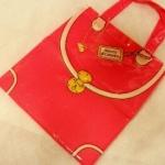 Roberta di Camerino กระเป๋าshopping ใบเล็ก จากนิตยสาร In Red สีชมพู ไม่มีจี้ห้อยนะคะ