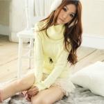 [Preorder] เสื้อกันหนาวแขนยาวคอสูงสีเหลืองอ่อน Trifle collar long-sleeved the warm sweater