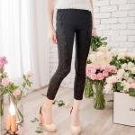 [Preorder] กางเกงขายาวแฟชั่นเข้ารูป ประดับลายปักดอกไม้เก๋ๆ แบรนด์ YOCO สีดำ Decorated with crocheted lace nine narrow pants