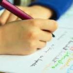 พัฒนาการ การจับดินสอ และทักษะการเขียน