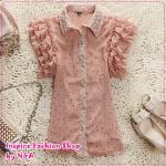 เสื้อแฟชั่นแขนสั้นระบายประดับลูกไม้สีชมพู 2012 short sleeve lace shirt, wooden boats sleeve chiffon shirt shirt lapel lotus leaf lace blouse (Preorder)