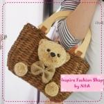 [Preorder] กระเป๋าสานหมีน้อยสีน้ำตาลเข้ม chaomeng raging straw beach package straw bags, rattan packet woven bag idiot