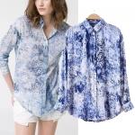 [Preorder] เสื้อเชิ๊ตแฟชั่นแขนยาวสไตล์ยุโรป สกรีนลายเก๋ๆ สีน้ำเงิน (ไซส์ S M L) Europe and the United States stand with the big new fall 2014 women's blue and white printing money shirt jacket lapel long-sleeved shirt