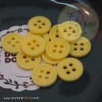 กระดุมขนาดเส้นผ่านศูนย์กลาง 11 mm. - Lemon Yellow
