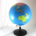 ลูกโลกขนาดเส้นรอบวง 30 Cm.(ภาษาอังกฤษ)