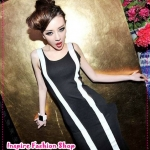 เดรสแขนกุดลายทางสีดำ European style black and white spell color models of long dresses