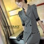 เดรสแขนสามส่วนลายขวางสีดำ JackGrace classic stripes - double-breasted self-OPS coat color