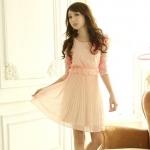 [Preorder] เดรสลูกไม้แฟชั่นแขนสามส่วนกระโปรงพลีทหวานสีชมพู Bead stitching Fence dress