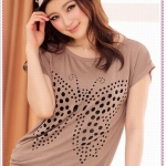 เสื้อยืดแขนสั้นปักผีเสื้อเป็นรูสีกากี features hollow butterfly dish casual cotton T knit tops