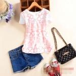 [Preorder] เสื้อแฟชั่นแขนสั้นสไตล์เกาหลี ปักลายเก๋ๆ ลายดอกไม้ 2015 summer new women's round neck four buckle embroidery Maple Cherry Slim short-sleeved T-shirt
