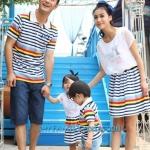 ชุดครอบครัว เสื้อครอบครัว ลายขวาง ชายเสื้อคอปกโปโล หญิงเดรสชีฟองต่อกระโปรงลายขวาง (ราคา 3 ตัว พ่อ แม่ ลูกชาย) - pre order