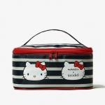 กระเป๋าเครื่องสำอางค์ Hello Kitty จากนิตยสาร Snidel