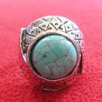 สินค้าหมดค่ะ แหวนหินเทอร์ควอยส์สีเขียว โรเดียมสีเงิน(มีโชค)แบบ7ค่ะ