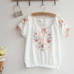 [Preorder] เสื้อแฟชั่นแขนสั้นปักลายดอกไม้ สีขาว Summer new Japanese wild embroidered ethnic style embroidery decorated short-sleeved cotton shirt tether
