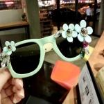 [Preorder] แว่นกันแดดแฟชั่นประดับดอกไม้เก๋ๆ สีเขียว US-burst daisy flowers with sunglasses female Korean jewelry rhinestone glasses sunglasses influx of new NPC love
