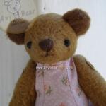 ตุ๊กตาหมีผ้าขนสั้นสีน้ำตาลขนาด 13 cm. - Cracker Girl