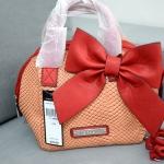 กลับมาพร้อมส่งอีกครั้งค่ะ BCBG sweet bow bag พร้อม tag สีโอโรส