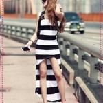 เดรสแฟชั่นแขนกุดลายขวางกระโปรงเล่นระดับสีขาวดำ Korean babes legs retro shoulder pads irregular arc placed stripe dress