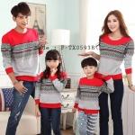 ชุดครอบครัว พ่อแม่ลูก เสื้อครอบครัวแขนยาวลายกราฟฟิก สีแดง (ราคา 3 ตัว พ่อ แม่ ลูก) - pre order