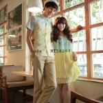 เสื้อคู่รัก ชุดคู่รัก แฟชั่นเกาหลี ชายเสื้อเชิ๊ต หญิงเดรสชีฟองอกระบาย กระโปรงอัดพลีท สีเขียวเหลือง - พร้อมส่ง