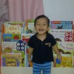 ภาพโชว์ ตู้ใส่หนังสือนิทานของน้องยิมค่ะ น้องยิมชอบมาก หยิบหนังสืออ่านง่าย ทำให้เด็กรักการอ่าน (สั่งซื้อที่ Link ด้านในค่ะ)