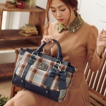 [Preorder] กระเป๋าสะพายข้างลายตารางประดับโบว์เก๋ๆ สีน้ำเงิน Beauty new wave of female bag sweet plaid bow handbag female bag Post
