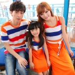 ชุดครอบครัว เสื้อครอบครัว พ่อคอกลมลายขวาง แม่ลูกเดรสยาวแขนกุดลายขวาง กระโปรงส้ม (ราคา 3 ตัว พ่อ แม่ ลูกเดรส) - พร้อมส่ง
