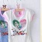 Size 13>> สีขาว  เสื้อสาวน้อยสกรีนแบบวิบวับ กระต่ายคู่อยู่ในหัวใจล้อมเพชร (เช็ค size หน้าแรกนะคะ)