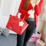 [Preorder] กระเป๋าสะพายข้าง Hello Kitty สีแดง (2 ใบ - ใบใหญ่ และ ใบเล็ก) 2015 New hello kitty Hello Kitty handbag shoulder bag diagonal female bag cute three-dimensional picture package