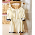 [Preorder] เสื้อแฟชั่นแขนสามส่วนเปิดไหล่ จั๊มเอว สีครีม 2013 new sweet wood ear Sen female sexy strapless chiffon shirt blouse lotus