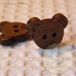กระดุมไม้รูปหัวหมีขนาด 15 mm.