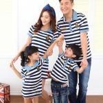 ชุดครอบครัว เสื้อครอบครัวผ้ายืดลายขวาง ชายเสื้อคอปก หญิงเดรสสั้น (ราคา 3 ตัว พ่อ แม่ ลูกชาย) - พร้อมส่ง