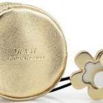 กระเป๋าใส่เหรียญสีทอง Marc by Marc Jacobs Daisy