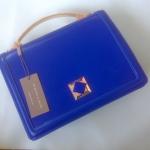 พร้อมส่งสีน้ำเงินค่ะ Charles&Keith Boxy Turn-lock handbag เรียบหรูจ้า