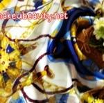 ผ้าพันคอ ผ้าคลุมไหล่พิมพ์ลาย : ลายแบรนด์เนมสีน้ำเงิน