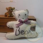 ตุ๊กตาหมีพวงกุญแจ สูง 8 cm.ผ้าสักหลาด flower02 - สีครีม