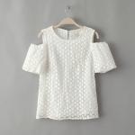 [Preorder] เสื้อแฟชั่นแขนสั้นเปิดไหล่ฉลุลายดอกไม้ สีขาว Europe summer 2014 the new European and American fashion house ladies embroidered organza strapless flower short sleeve pullover shirt T