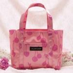 JILL STUART กระเป๋าถือสีสวยลายเชอร์รี่ จากนิตยสาร SWEET