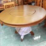 โต๊ะอาหารไม้สักกลมมีจานหมุน