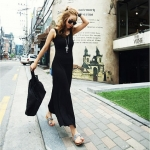 [Preorder] เดรสแฟชั่นแขนกุดเว้าหลัง สีดำ 2013 spring and summer temperament sexy halter vest dress Slim put on a large super good quality