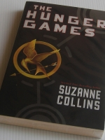 Hunger Games (Book 1) / Suzanne Collins