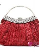 พร้อมส่ง กระเป๋าคลัชออกงาน มีสีแดง สีดำ