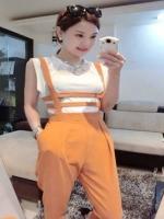 ชุดเสื้อผ้าแฟชั่น 2 ชิ้น เสื้อสีขาวแขนกุด+กางเกงขายาว(มีสายเอี๊ยม)ตามภาพคะ สีเหลืองเข้ม ไซส์ M
