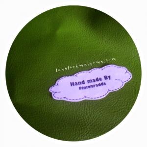 LH19 : ผ้าหนังสีเขียวขี้ม้า แบ่งขาย 1 หน่วย = ขนาด1/4 หลา : 45 X 65 cmค่ะ