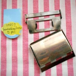 หัวเข็มขัดหนีบ-ล๊อค 3.5 x 5 cm (used) ล๊อดดีเหมือนเดิมสีภายนอกรอยข่วนมีบ้างค่ะ