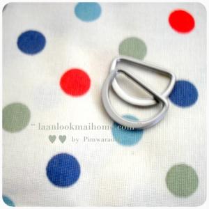 HB4 : หูกระเป๋าโลหะสีเงินด้านไม่วาว ขนาด 1.5 X 2.cm (1 แพค= 2อัน)