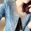 เสื้อแจ็คเก็ตยีนส์แขนยาวด้านหน้าแต่งด้วยเม็ดคริสตัลเพิ่มความเก๋ให้กับตัวเสื้อค่ะ thumbnail 8