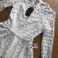 เสื้อผ้าลูกไม้สีขาวทรงคอสูงแขนยาวตกแต่งระบาย thumbnail 6